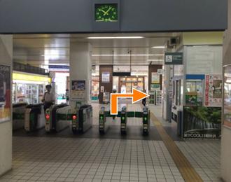 JR検見川浜駅の改札を出ましたら右側(北口)に向かいます。